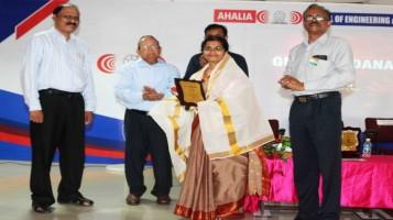 Ms. Ranjini Kuruppath, Chemistry Teacher honoured at the Guruvandanam programme at Ahalia Campus
